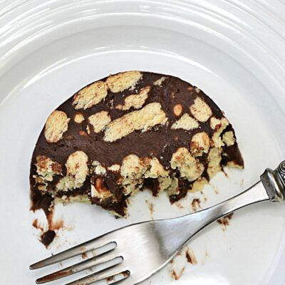Salam de biscuiti reteta clasica, salam de biscuiti traditional facut in casa