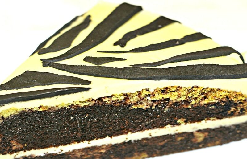 Tort Zebra cu martipan adygio kitchen