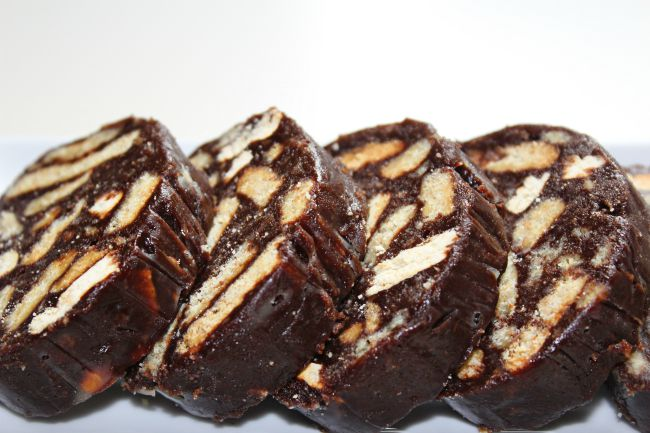 salam de biscuiti facut in casa dupa reteta traditionala