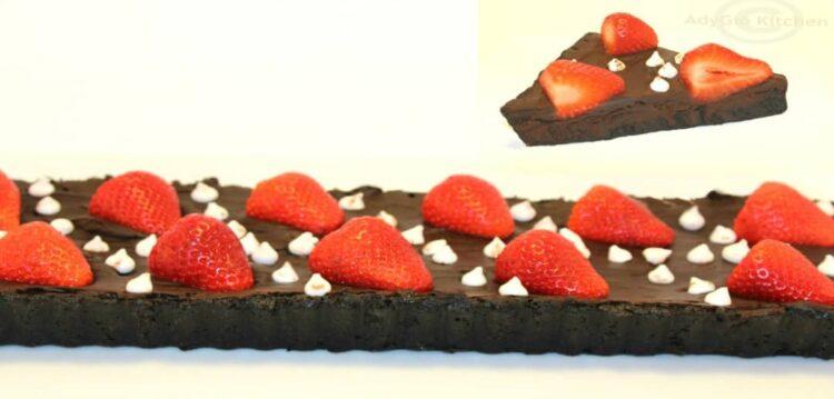 tarta oreo cu ciocolata si capsuni
