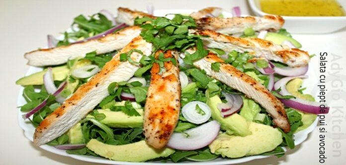 Salata cu piept de pui si avocado