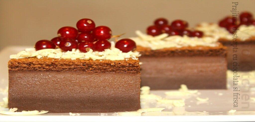 prajitura desteapta cu ciocolata si frisca reteta