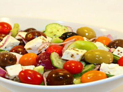salata greceasca horiatiki