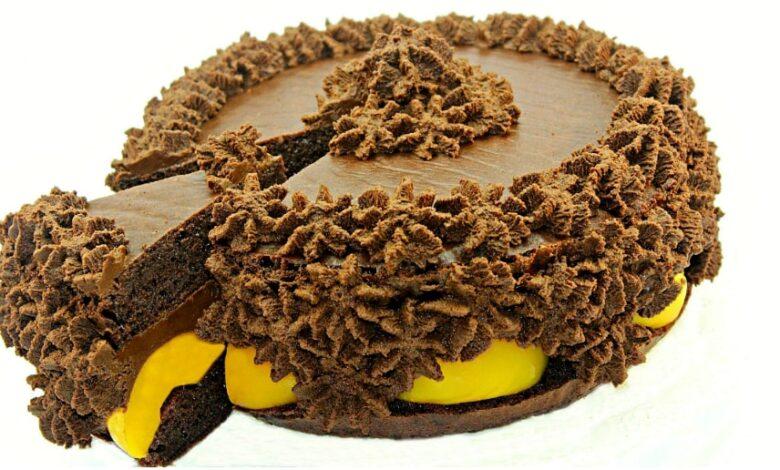 Tort de ciocolata cu piersici adygio kitchen