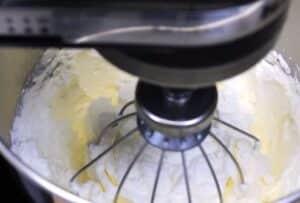 prajitura cu afine crema de branza cu frisca