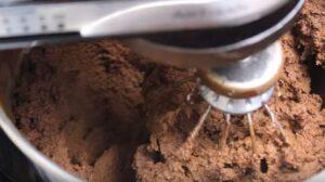 tort joffre mixare crema ganache