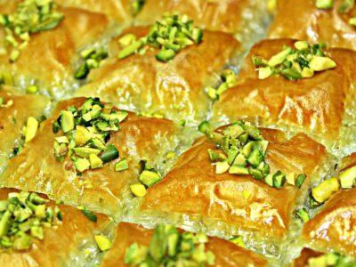 Baclava turceasca sau baklava cu nuca reteta cu reusita garantata. Baclava sau baklava, desertul suprem turcesc