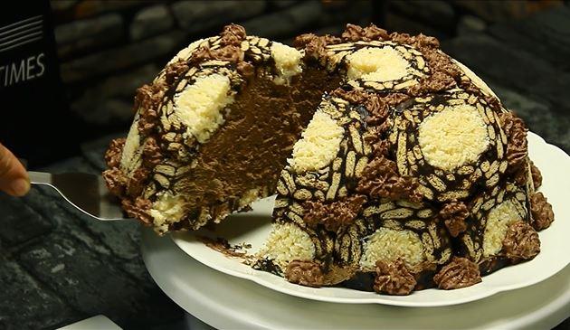 tort de biscuiti cu mousse de ciocolata felie