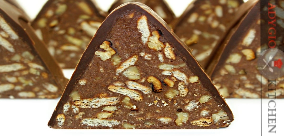 tort de biscuiti piramida adygio kitchen
