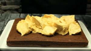 prajitura cu unt de arahide crema