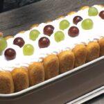 tort diplomat cu iaurt si struguri decor