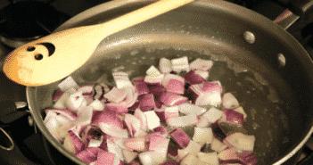omleta-greceasca-ceapa-la-calit