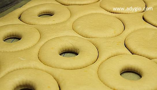 gogosi la cuptor glazurate cu nutella decupare