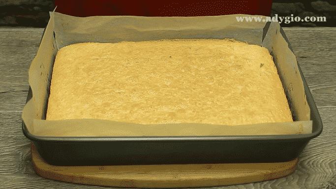 prajitura-de-vis-cu-nuca-si-ciocolata-blat-cu-nuca