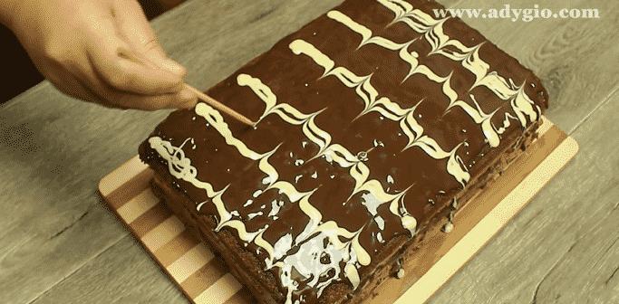 prajitura de vis cu nuca si ciocolata glazura