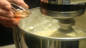 tort fara coacere cu biscuiti extract de vanilie