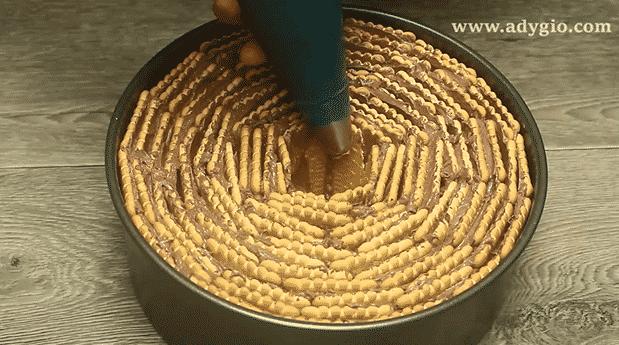 tort fara coacere spirala de biscuiti centru