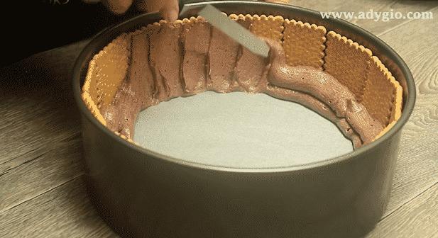tort spirala de biscuiti crema