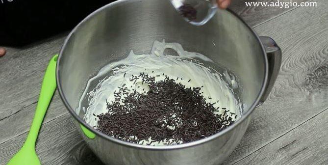 Prajitura musuroi de cartita crema