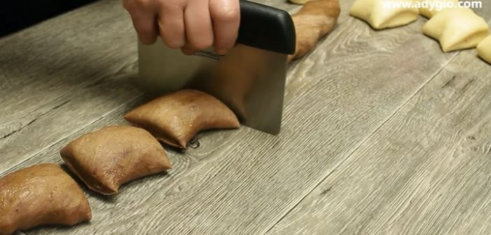 cozonac cu cacao dungat parti de cacao