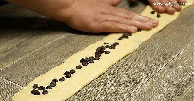 cozonac impletit cu ciocolata presata