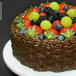 Tort de ciocolata Cosulet cu fructe adygio kitchen