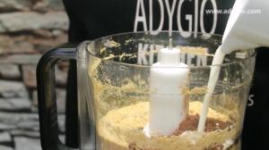 lava cake cu ciocolata fara coacere amestecare ingrediente