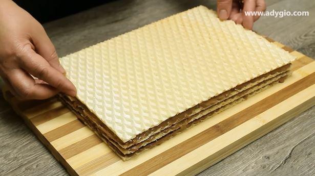 prajitura in 5 minute cu foaie de napolitana asamblare