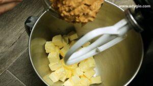 prajitura in 5 minute cu foi de napolitana unt de arahide