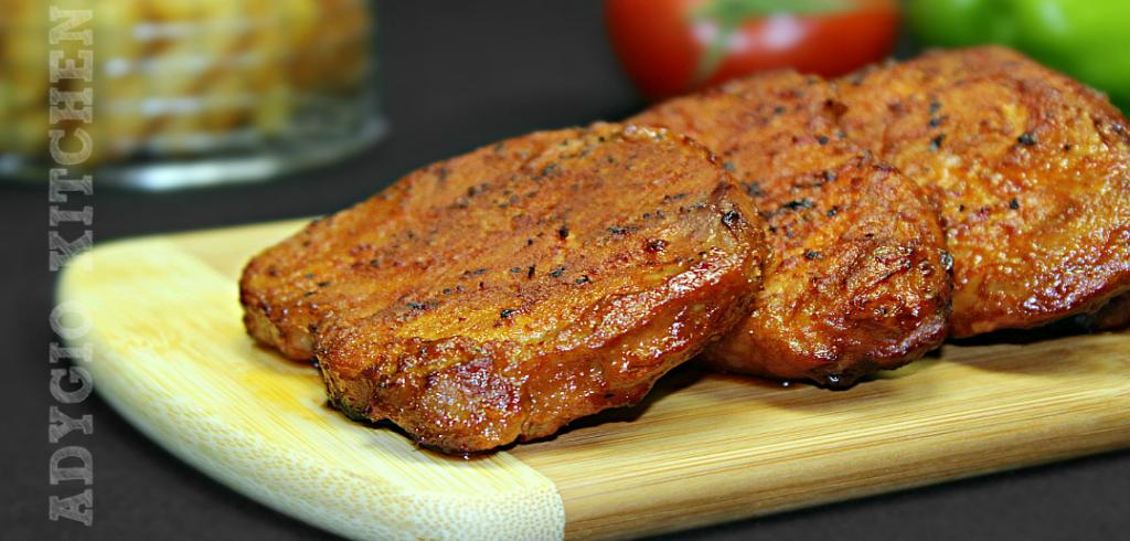Friptura de porc la cuptor cu sos de rosii si usturoi adygio kitchen