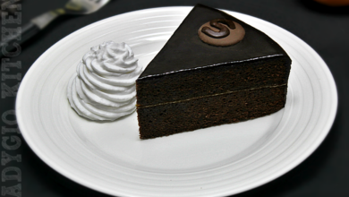 Photo of Tort Sacher cu ciocolata si gem de caise