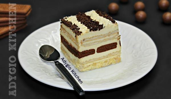 Tort de biscuiti cu frisca , un tort de biscuiti rapid si delicios