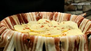 Cartofi la cuptor cu bacon strat de cartofi