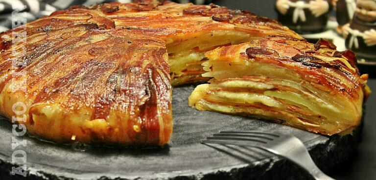 Cartofi la cuptor inveliti in bacon reteta