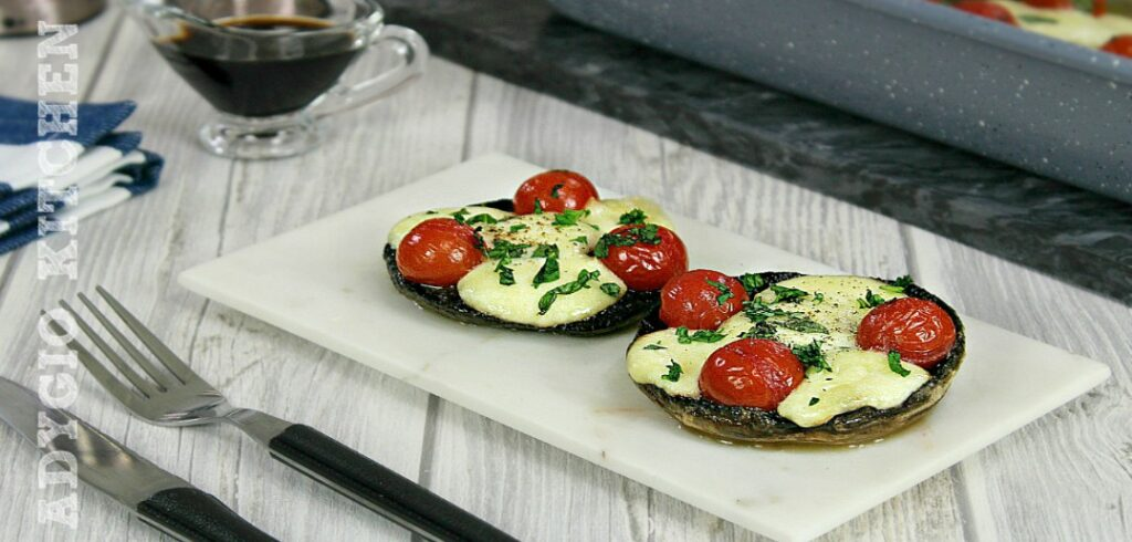 Ciuperci umplute cu rosii si mozzarella adygio kitchen