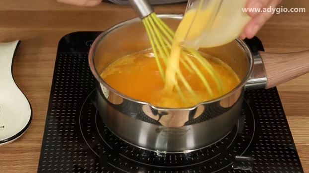 Tort Fanta cu suc de portocale budinca cu suc