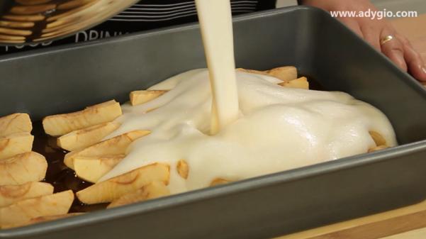 Prajitura cu mere si crema de zahar ars compozitie crema