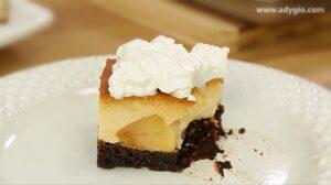 Prajitura cu mere si crema de zahar ars servita sau cel mai bun tort de mere cu crema de zahar ars