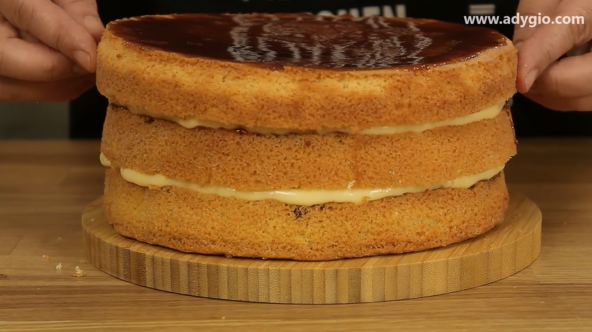 tort Petre Roman sau tort cu crema de vanilie blat