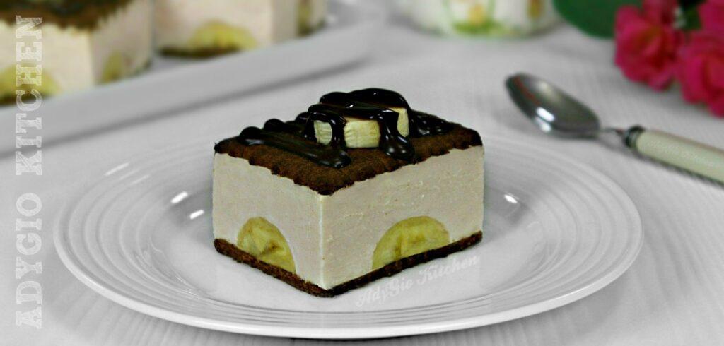 Prajitura cu iaurt si banane adygio kitchen