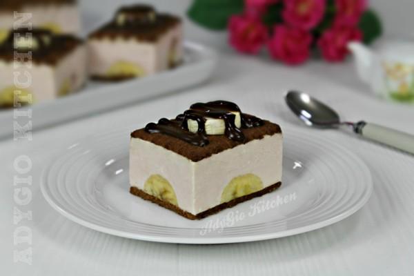 Prajitura cu iaurt si banane mod de servire PRAJITURA CU IAURT SI BISCUITI