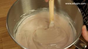 prajitura cu iaurt si banane cu crema cu gelatina