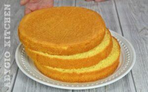 Blat pufos de vanilie pentru tort cu crema de vanilie