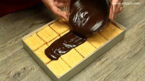 prajitura fara coacere cu biscuiti Oreo glazura