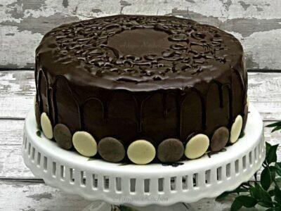 Tort Televizor cu crema de lamaie adygio kitchen