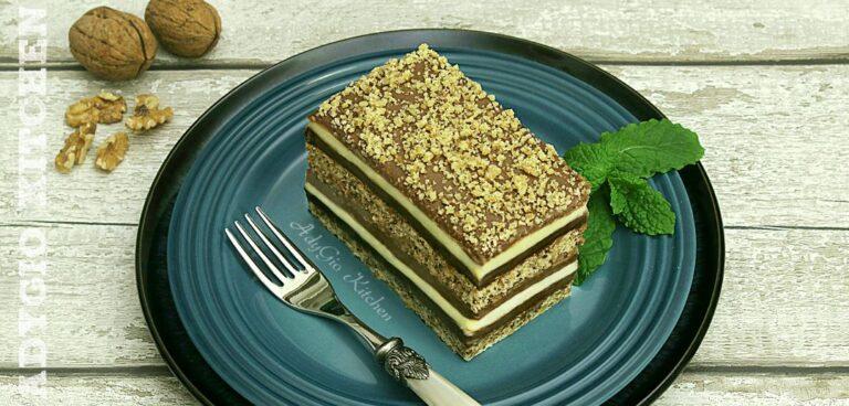 Prajitura Snagov cu nuca si crema de vanilie si ciocolata
