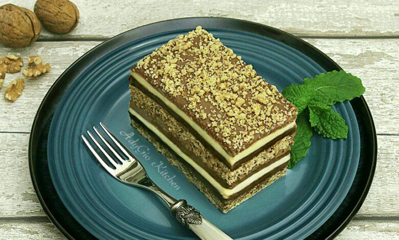 Prajitura Snagov cu nuca si crema de vanilie cu ciocolata adygio kitchen
