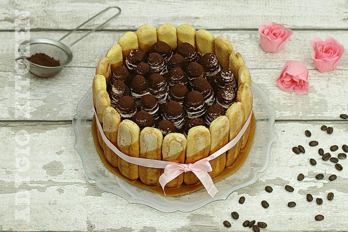 Tiramisu cu caramel si frisca,o reteta de tiramisu cu piscoturi insiropate cu cafea si crema caramel cu mascarpone