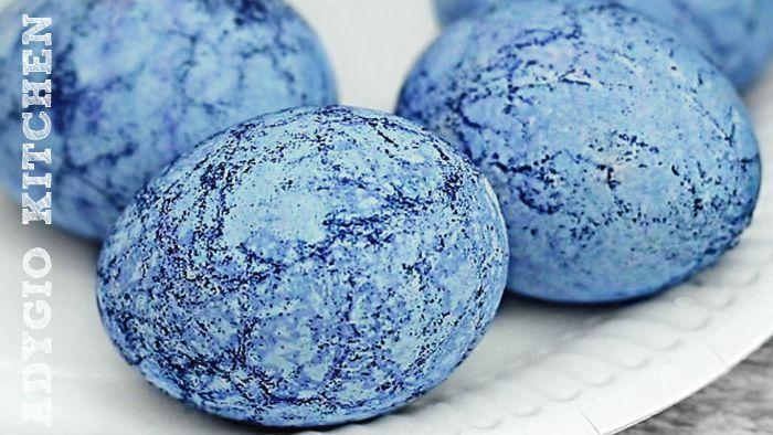 Oua de Pasti vopsite sau colorate cu indigo adygio