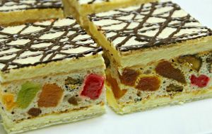 Prajitura Mozaic , prajitura de casa cu nuca,rahat si foi de napolitana
